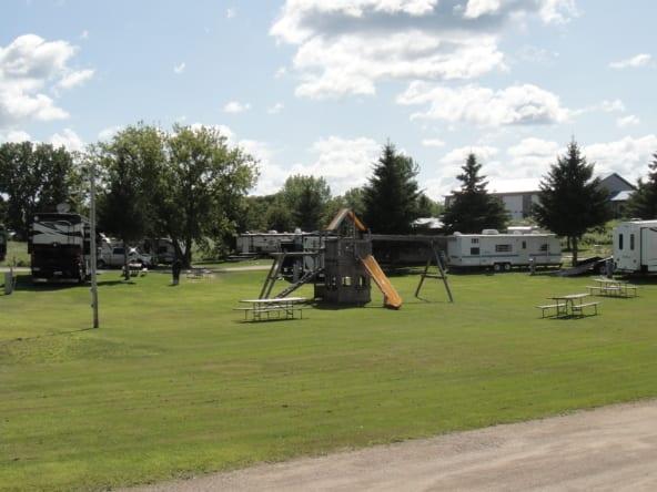 I 94 campground Cruise Inn large RV park