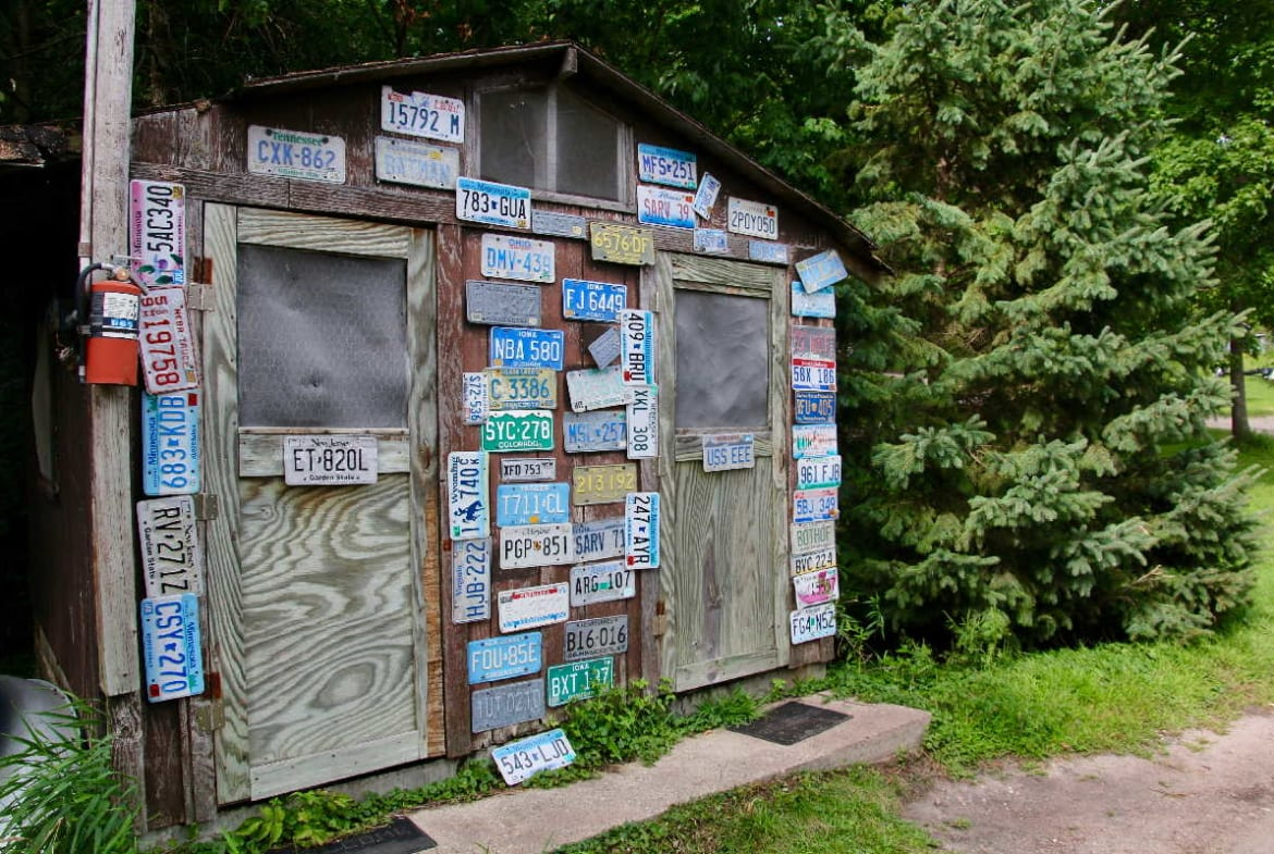 MN resorts for sale Kimp's Kamp fish cleaning house exterior