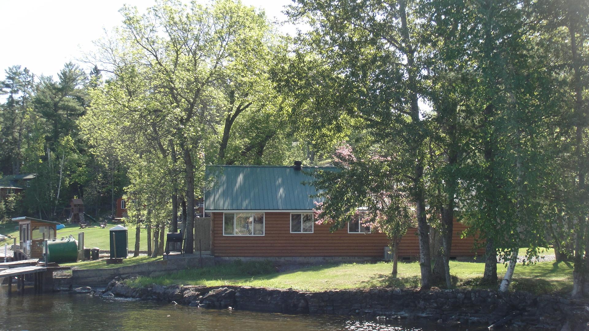 MN Resort for Sale Voyageurs Sunrise cabins