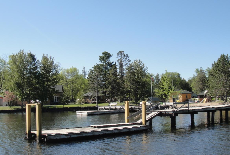 MN Resort for Sale Voyageurs Sunrise docks